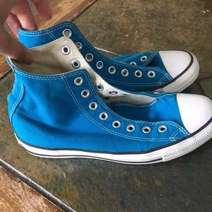 Women's 9 or Men's 7 blue high top converse